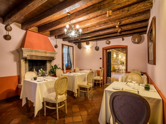 Hotel villa tacchi gazzo pd cloud for Immagini taverna rustica